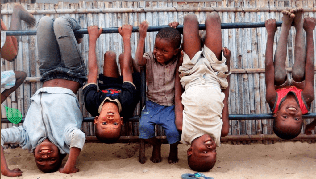 Children playing in Mozambique.  Photo by Arturo Sanabria, Courtesy of Photoshare.